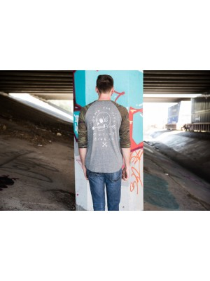 Mutiny Skull Henley T-Shirt